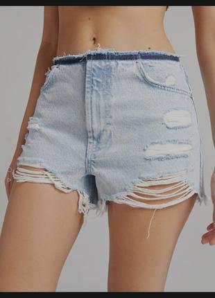 Короткие джинсовые шорты bershka