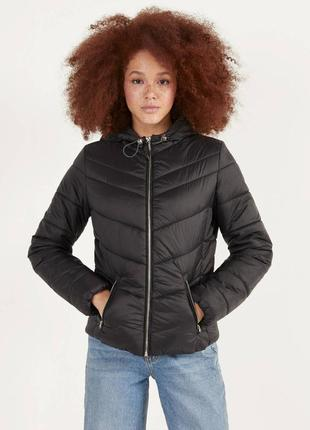 Легкая куртка bershka