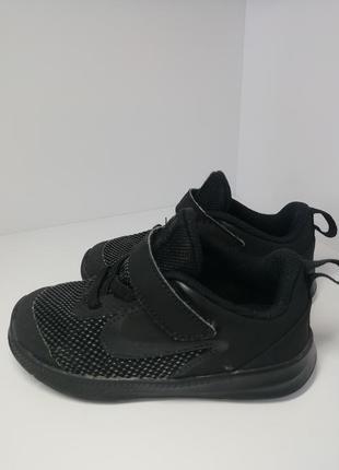 Кросівки nike. 25