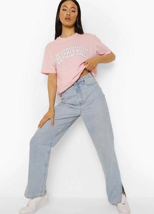 Удлиненная оверсайз футболка-платье boohoo beverly hills в трендовом розовом цвете