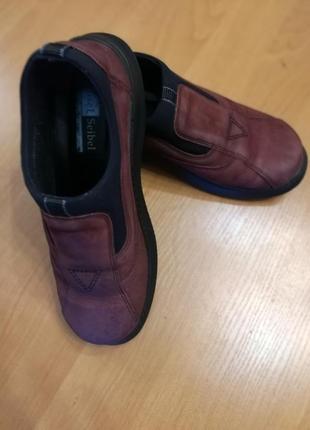 Мокасины туфли кроссовки