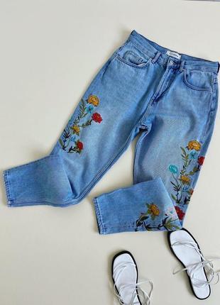 Стильні джинси mom з вишивкою
