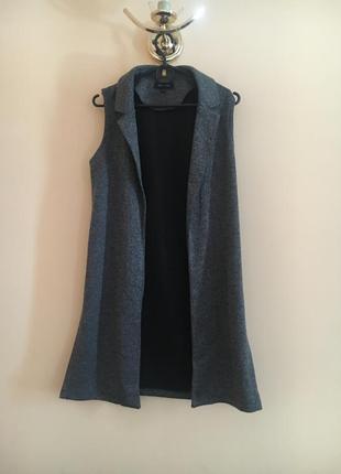 Классная стильная удлинённая жилетка жилет пиджак без рукавов жилеточка