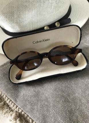 Солнцезащитные, винтажные очки calvin klein