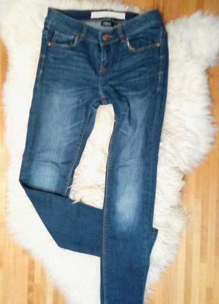Скини джинси next