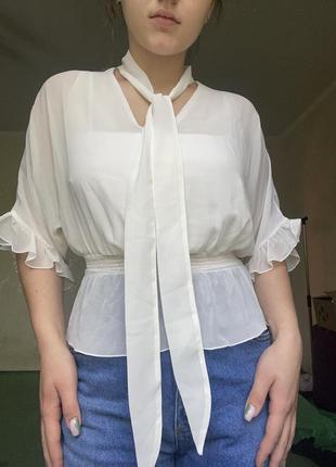 Легкая элегантная прозрачная блуза от guess