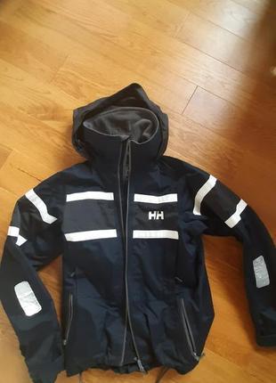 Шикарная куртка helly hansen