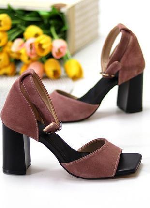 Женские босоножки цвета пудры из натуральной замши на каблуке в наличии и под отшив