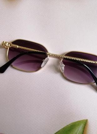 Стильные солнцезащитные женские очки в металлической оправе 20215 фото