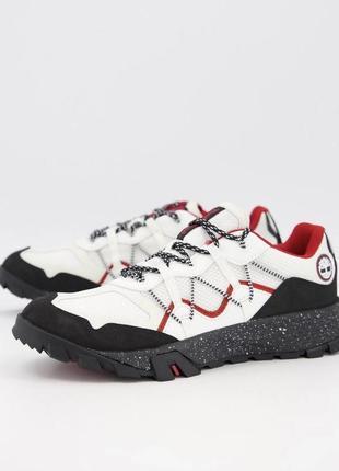 Трекинговые белые с черным кроссовки timberland garrison trail low in grey