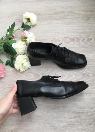 Кожа ! туфли с трендовым носком и квадратным каблуком