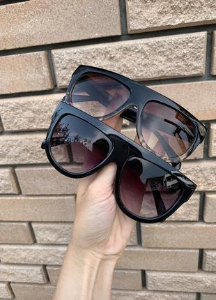 Солнцезащитные очки, розпродаж