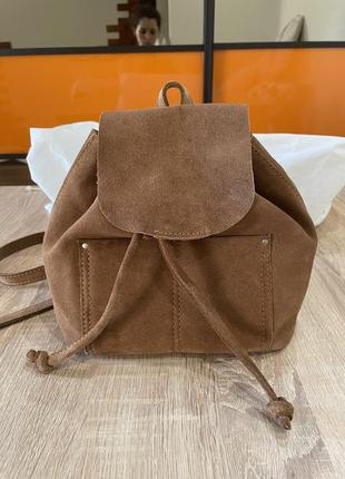 Шикарный кожанный рюкзак от pull&bear