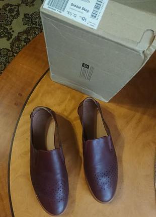 Брендові фірмові англійські літні туфлі clarks,оригінал,нові з бірками в коробці.