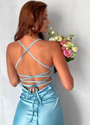 Женское  платье миди с открытой спиной шелковое