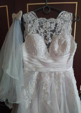 Сваденое платье короткое коктельное с фатой