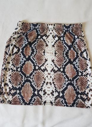 Симпатичная юбочка из тоненькой трикотажной ткани.