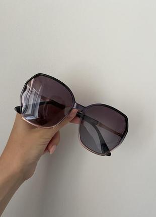 Солнцезащитные очки под ретро стиль
