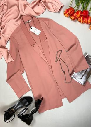 Пудровый летний пиджак stradivarius