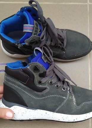Кросівки кроссовки 34 р італія