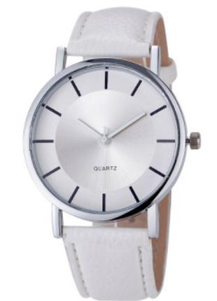 """Стильные часы """" geneva"""" белого цвета."""