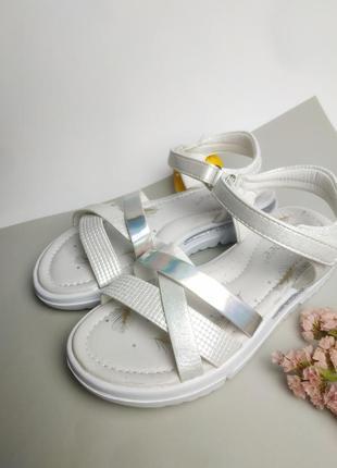 Супер модные фирменные босоножки для девочки