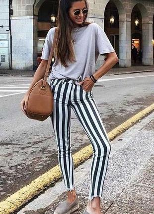 Шикарные, супер стильные стрейчевые скинни в полоску  fb sister /размер w 29