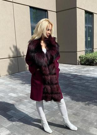 Шикарное женское пальто с натуральным мехом