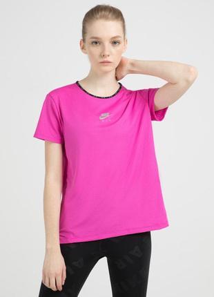 Футболка ярко розовая от nike air, с логотипом и надписями, новая, размер m-l