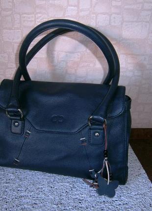 Красивая. стильная сумка из натуральной кожи. debenhams