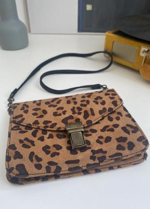 Cross-body сумочка с кошачим (леопард) принтом