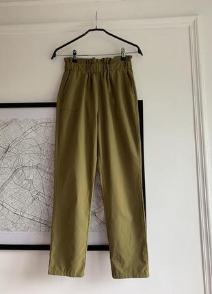Легкие брюки с высокой посадкой