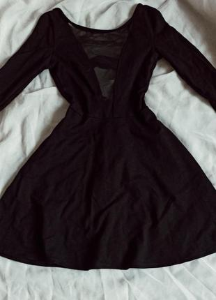Маленькое чёрное платье / платье