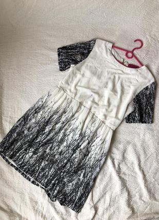Шифоновое летнее платье с принтом и открытой спиной на змейке1 фото