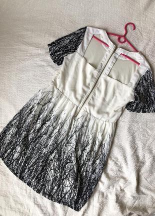 Шифоновое летнее платье с принтом и открытой спиной на змейке5 фото