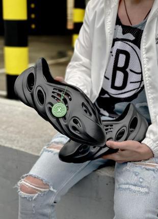 Стильные мужские летние сандали босоножки adidas yeezy  foam rnnr sand черные