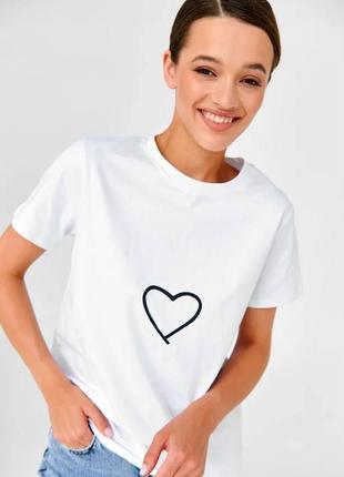 👑 белая футболка с принтом1 фото