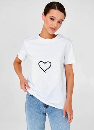 👑 белая футболка с принтом4 фото