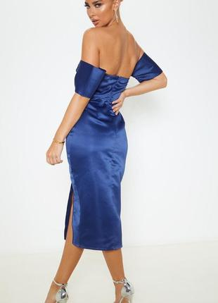 Платье атлас с разрезом спереди сатиновое открыты плечи