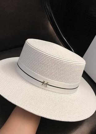 Красивая шляпа из соломы