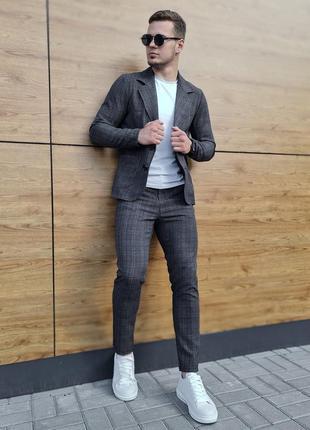 Костюм мужской пиджак брюки под кеды мокасины стильный