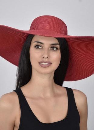 Элегантная шляпа с широкими полями для променада прогулок пляжа