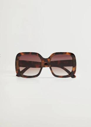 Распродажа. большие солнцезащитные очки в квадратной оправе,  манго