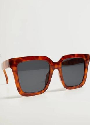 Большие солнцезащитные очки, манго