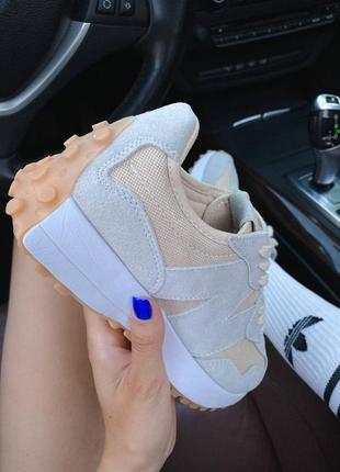 Светлые кроссовки нью беланс new balance 3277 фото