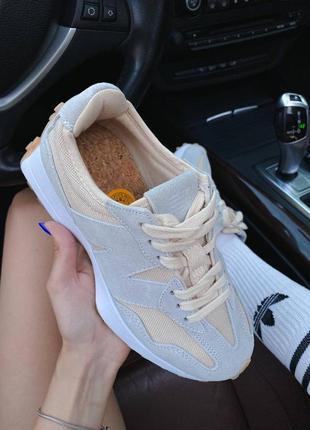 Светлые кроссовки нью беланс new balance 3279 фото