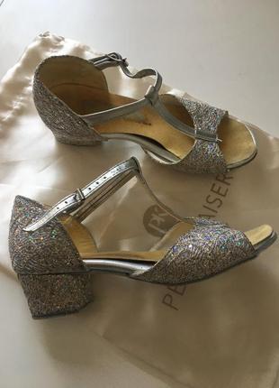 Детские туфли для танцев, танцевальные туфли 19см пнглия