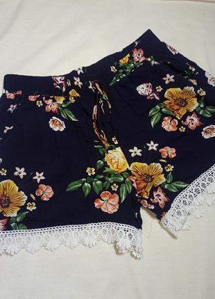 Женские шорты в цветочный принт. шорты темно-синие. шорты с карманами