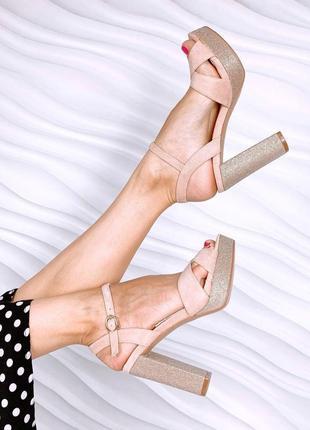 Боссоножки на высоком каблуке с открытым носком пудра экозамш