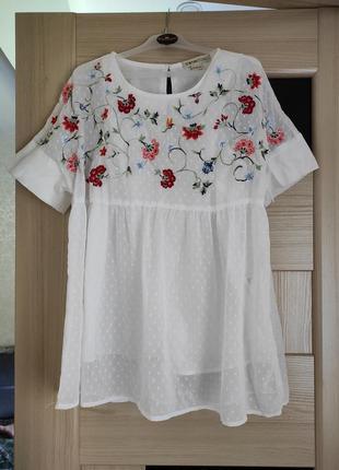 Блуза в прошву с вышивкой